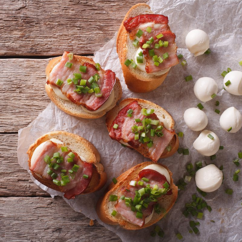 Cheese 'n' bacon canape