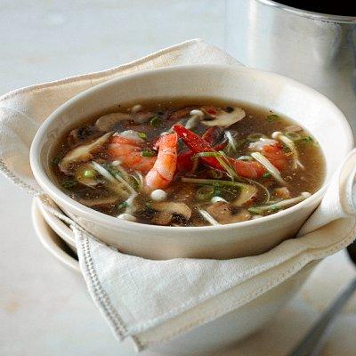 Ginger-scented shrimp and mushroom soup