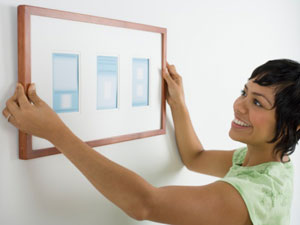 Ten tips on hanging pictures