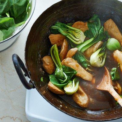 Ginger chicken stir-fry with greens