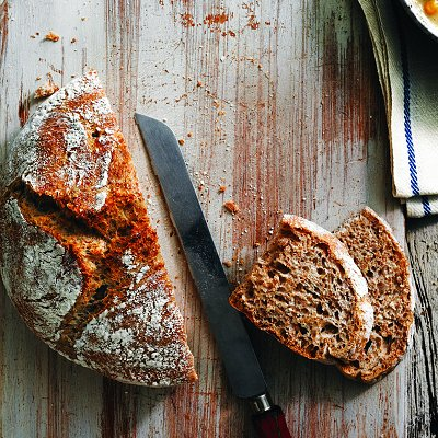 No-knead bran bread