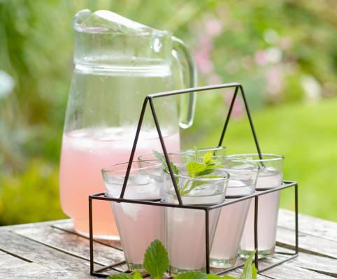 The healthy homemade pink lemonade you