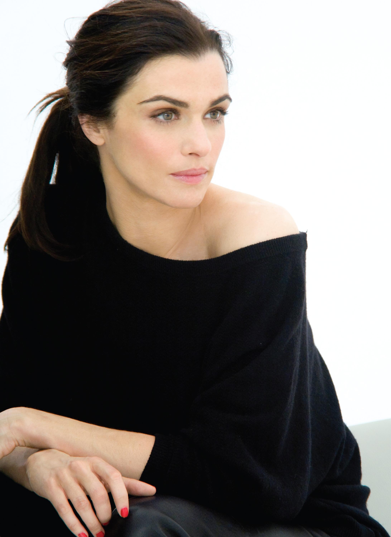 Rachel Weisz Chatelaine