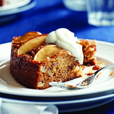 Apple-pecan olive-oil cake