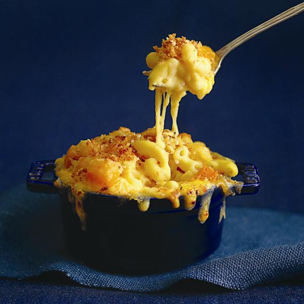 macaroni and cheese with squash in a serving pot