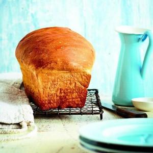 Classic-Freshly-baked-Sandwich-bread