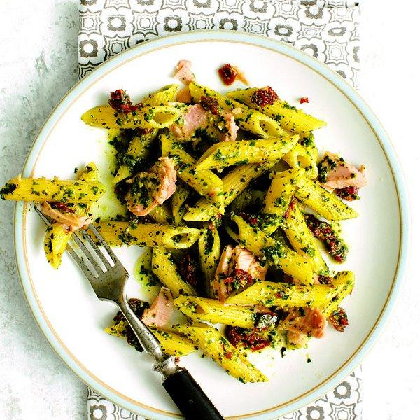 Pesto penne with tuna