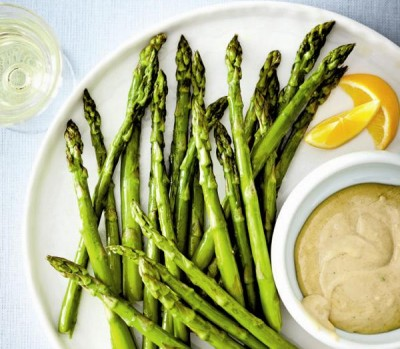 Roasted asparagus and creamy tahini dip