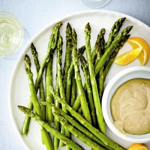 Roasted-asparagus-and-creamy-tahini-dip