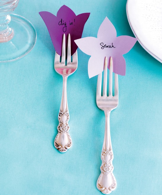 Pretty place cards for a Mother\'s Day table setting - Chatelaine