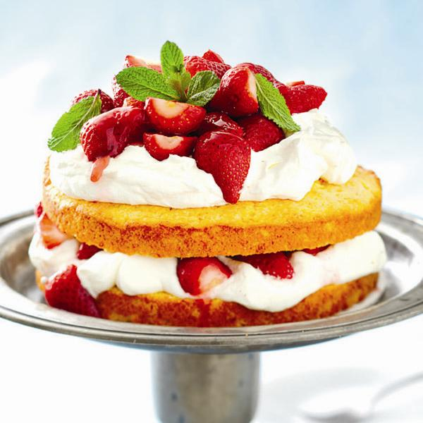 Polenta strawberry shortcake.Photo, Roberto Caruso.