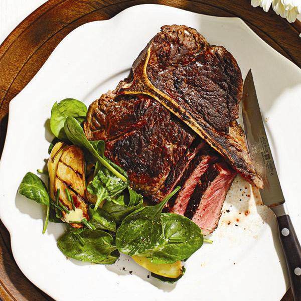 T bone steak with fingerling and spinach salad recipe chatelaine advertisement forumfinder Image collections