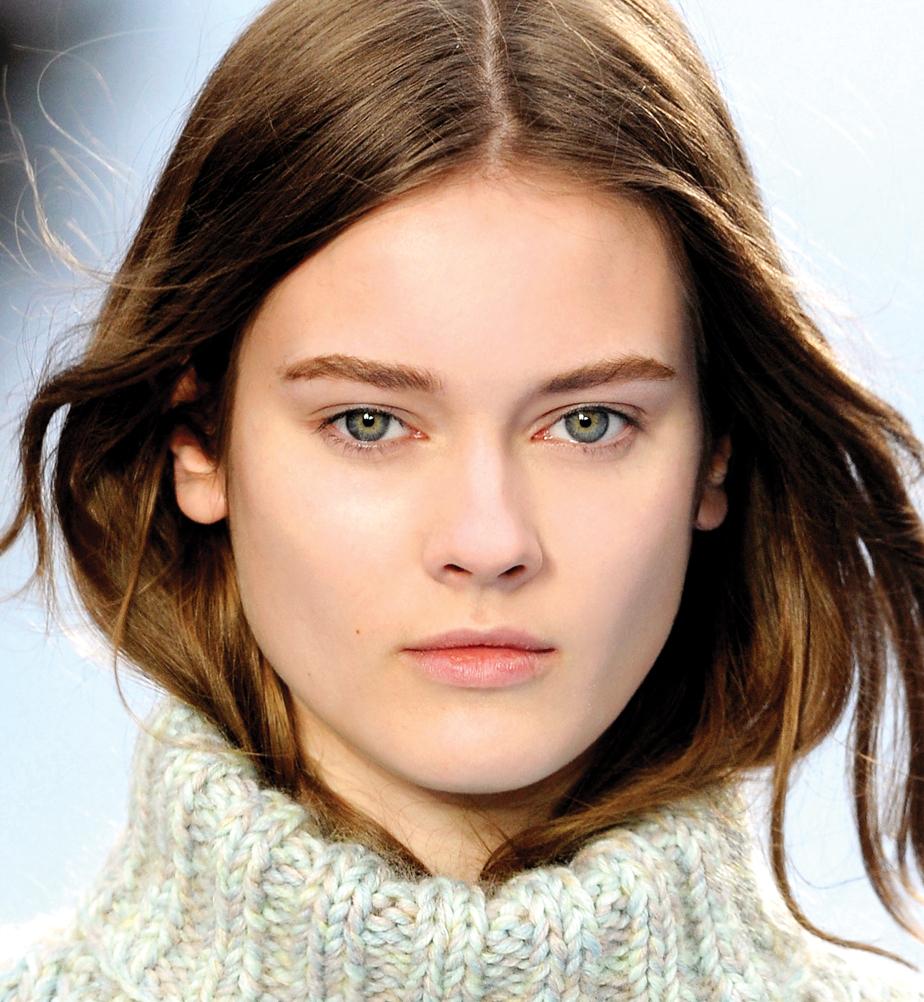 Chloé runway shot, beauty, model