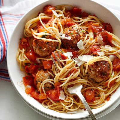 Herbed-chicken-meatballs-with-spaghetti-0-l