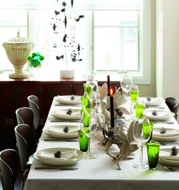 Christmas table setting, dining room, holiday table
