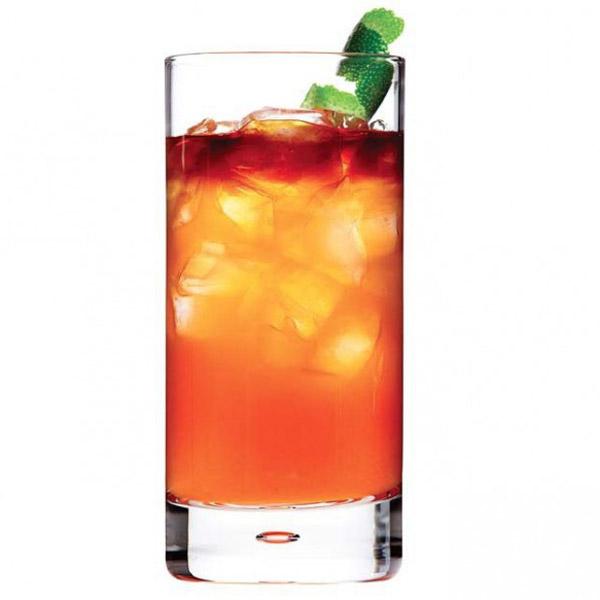 Gastown swizzle cocktail