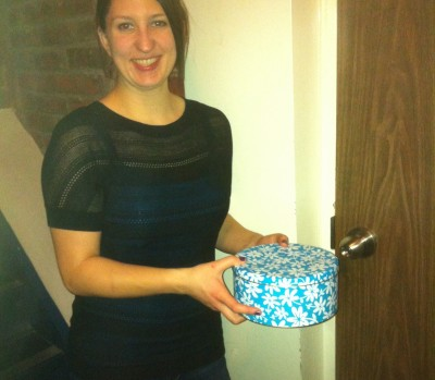 Laura Brown delivering baked cookies to her neighbour #kindcycle