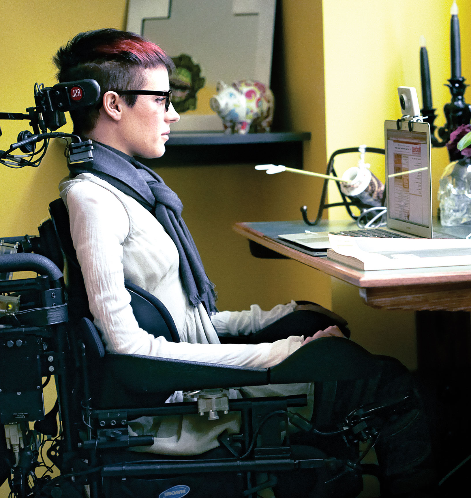 former circus performer carolyn pioro on her spinal cord injury carolyn s office set up which allows her to work independently