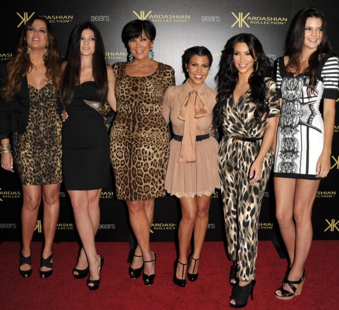 Khloe Kardashian, Kylie Jenner, Kris Jenner, Kourtney Kardashian, Kim Kardashian & Kendal Jenner