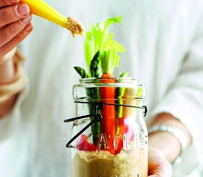 Crudites-jars-with-moroccan-hummus-0-l