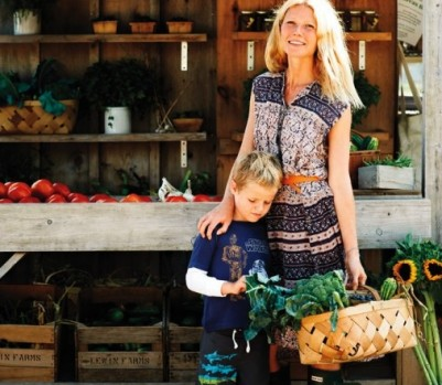 Gwyneth-Paltrow-Market-Vegetables-May-13-p82-508x660