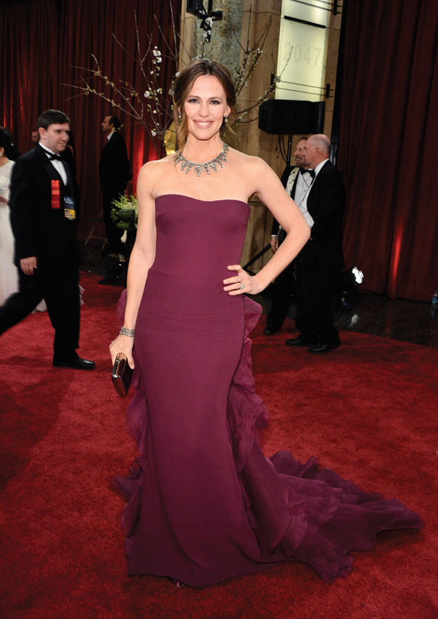 Jennifer Garner follows George's golden rules when he shoots her at the Oscars; Photo by George Pimentel