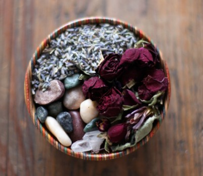 Potpourri dried flowers bowl