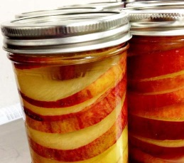 How to make easy spiced-apple rings in a jar