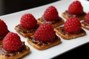 pretzel squares with raspberries