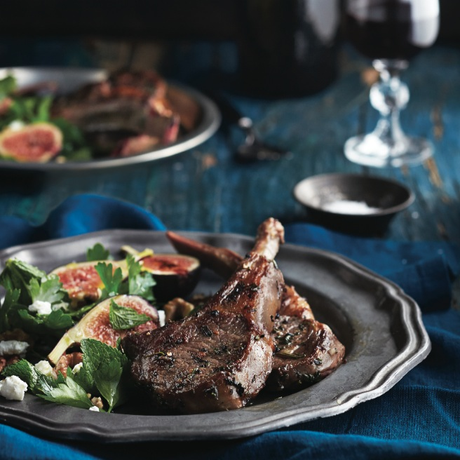 Lamb chops recipe with walnut, fig and goat cheese salad