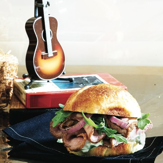 sirloin steak sandwiches with arugula aioli