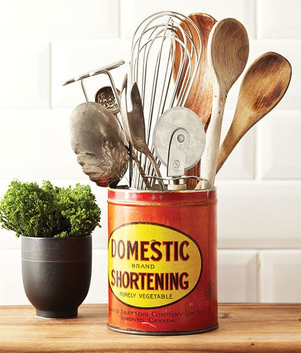 Feature-Photo-Vintage-Tin-with-Cooking-Utensils