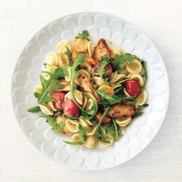 Spring pasta recipes: Garlicky chicken pasta