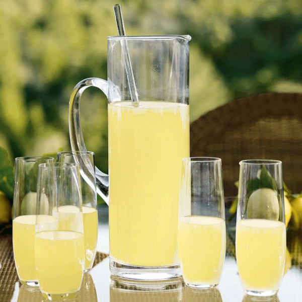 lemonade-pitcher outdoor entertaining