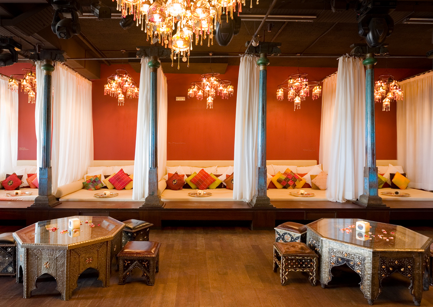 Best of barcelona what to see do and where to stay for Carpe diem lounge club barcelona