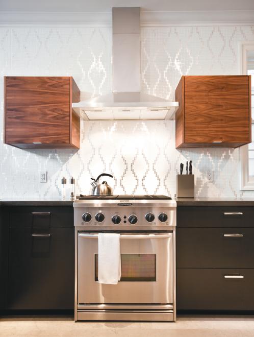 Kitchen, Oven, Hood, Stove, Wood, Black, Backsplash. How To Set Up ...
