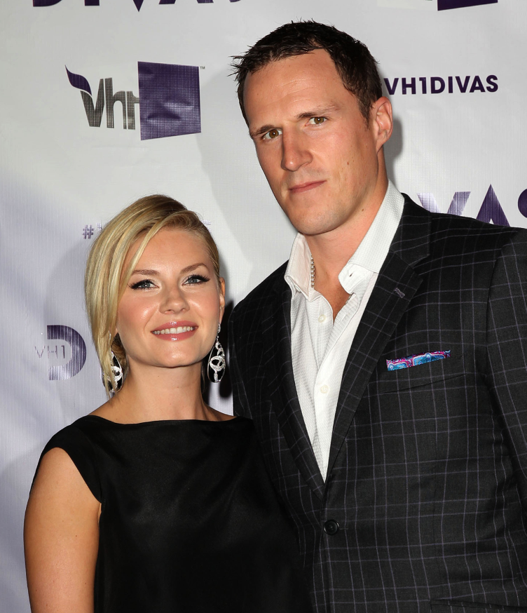 10 celeb women who fell for NHL players