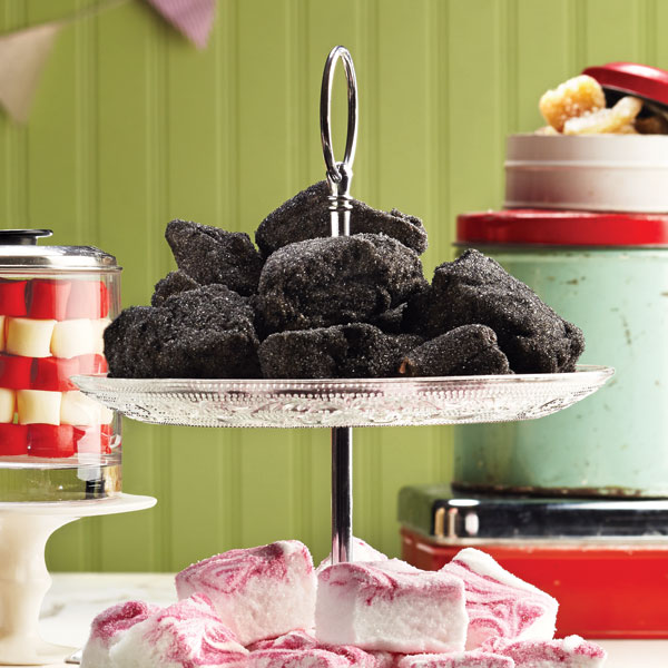 Christmas candy: Marshmallow coals