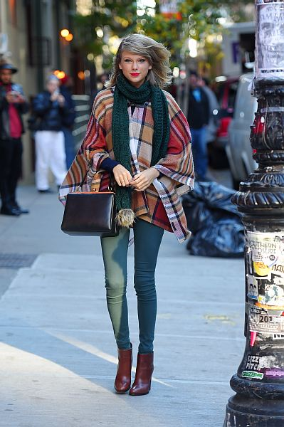 Bundle up in style like Taylor Swift