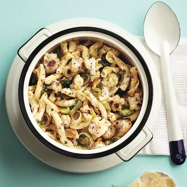 Roasted cauliflower and leek pasta