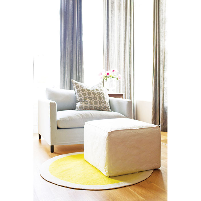 toosit-pouf-ottoman-footstool-tyvek-eco-toofifteen