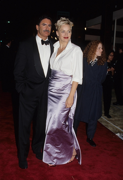 <b>Sharon Stone in Gap and Vera Wang (1998)</b>