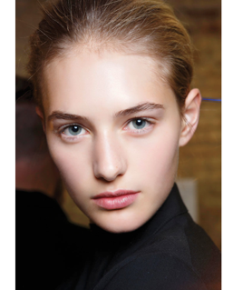 Nude Make up trend, runway model