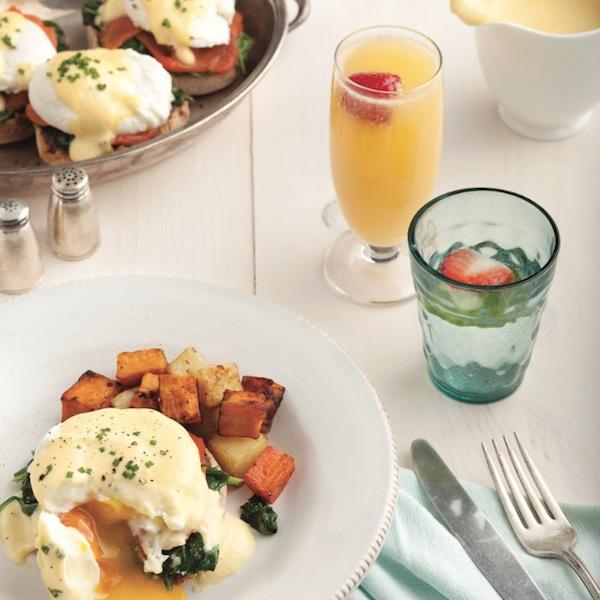 Healthier eggs florentine with salmon