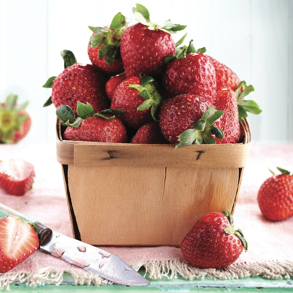 Box of fresh strawberries: strawberry recipes for summer