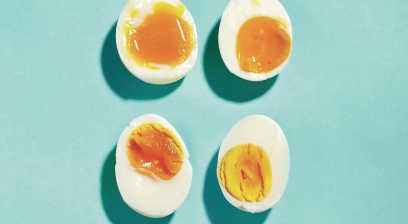 Clockwise from top left: 6-minute, runny yolk egg, 7-minute, medium-runny yolk, 9-minute,almost firm yolk, 12-minute, totally form yolk.