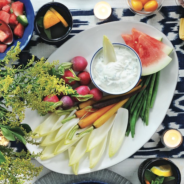 Vegetable platter with creamy dip