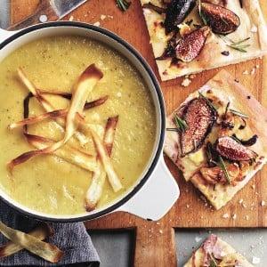 Vegetable soup: Parsnip, apple and leek soup