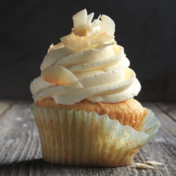 Perfectly shaped cupcakes: Toasted coconut cupcakes