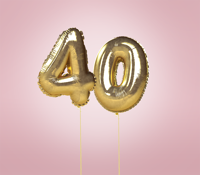 Golden 40 balloons on pink background